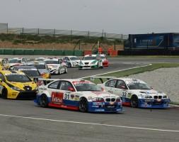 Doppia affermazione di Ferraresi e uno-due del team sammarinese in Gara 2
