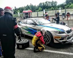 Un incidente ferma la BMW dell