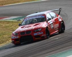 Il sammarinese davanti a tutti con la BMW M3