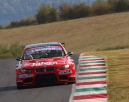 Il sammarinese al top con la BMW M3 dopo la pole di sabato