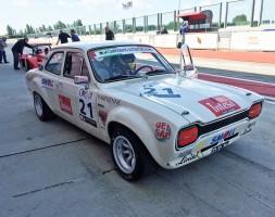 Subito bene il figlio di Paolo (17 anni) in pista con una Ford Escort 1.6