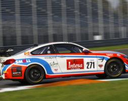 Il pilota sammarinese arriva sul circuito romano con il secondo posto nella classifica GT4 Am